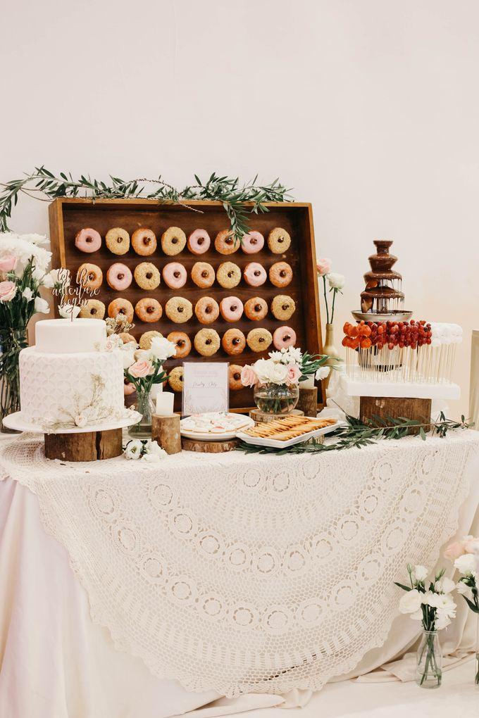 Rustic Dessert Table by Gordon Blue Cake - 041