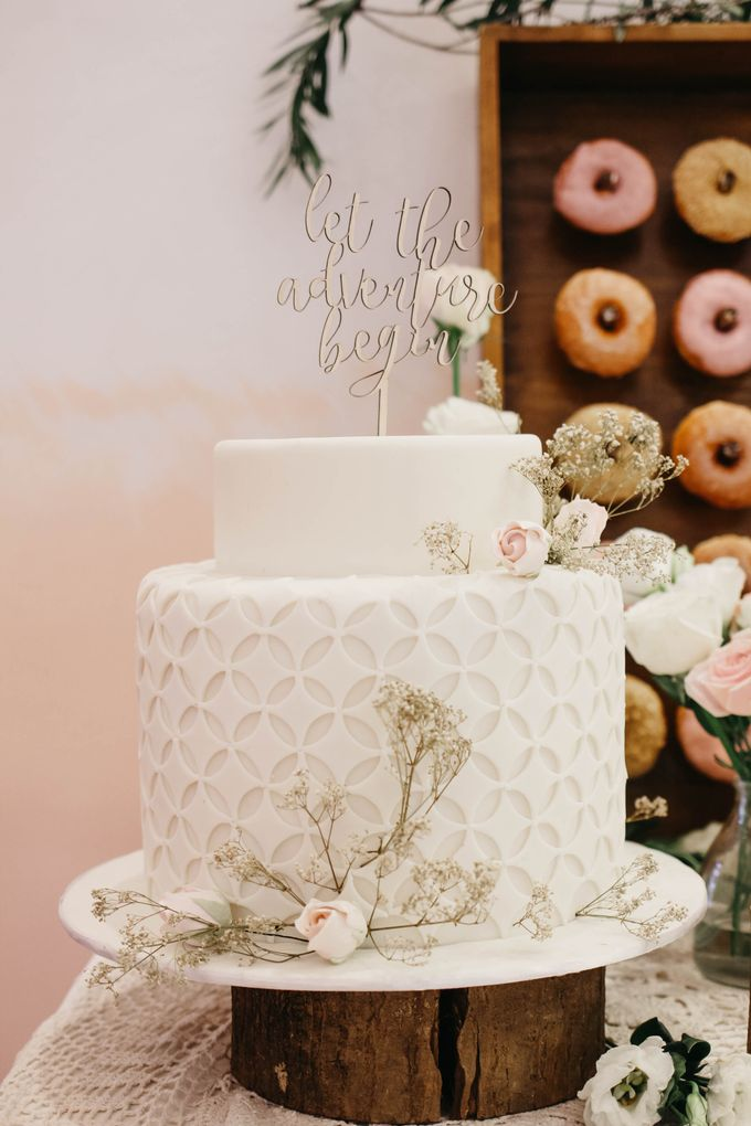 Two Tiers by Gordon Blue Cake - 001