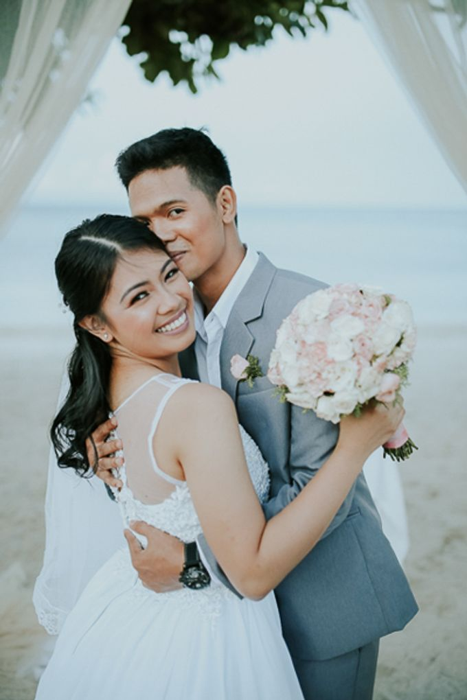 Renz & Jenn Beach Wedding in Romblon by The Fortnight Studios - 023