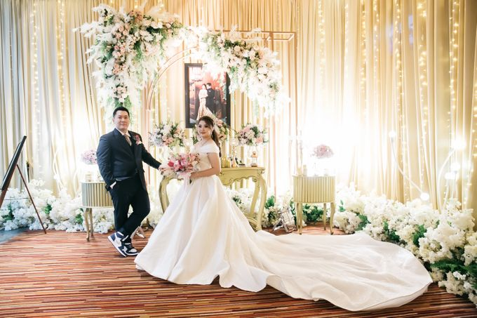 Evan & Brigita Wedding at Hilton by PRIDE Organizer - 044