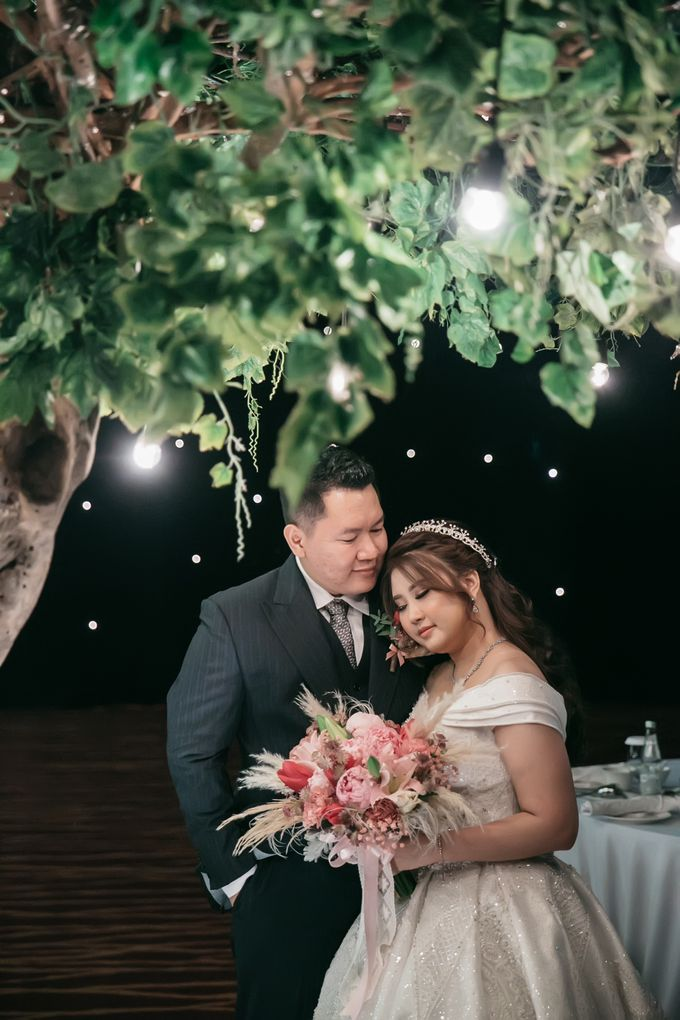Evan & Brigita Wedding at Hilton by PRIDE Organizer - 045