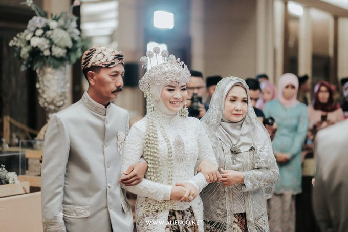 THE WEDDING OF ANGGI & iNDRA by alienco photography - 015