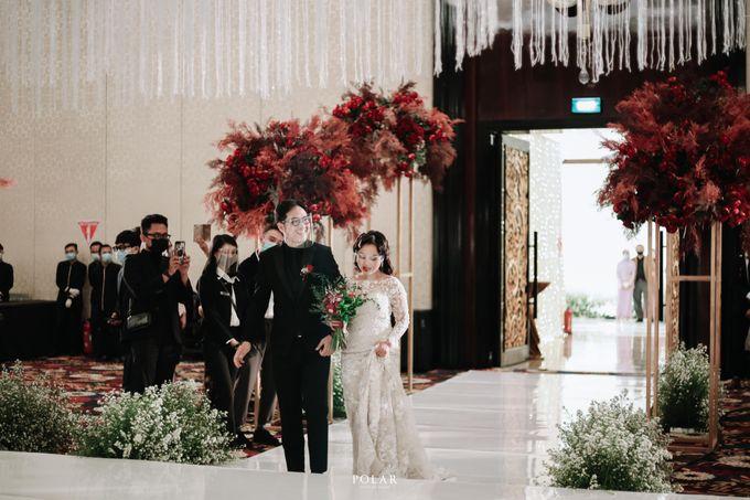 Wedding of Agung & Keyshalla at Trans Convention Center by Valentine Wedding Decoration - 022