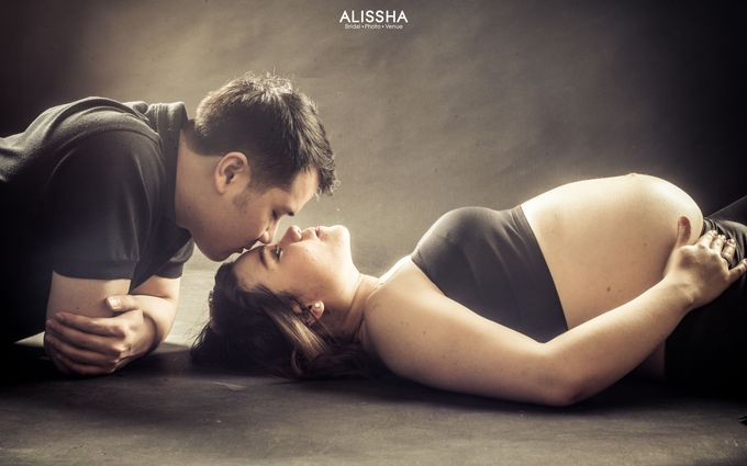 Maternity Photoshoot at Alissha by Alissha Bride - 005