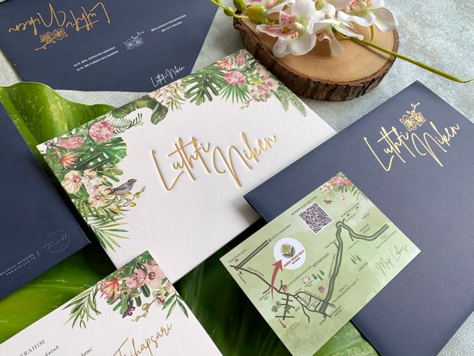 Tropical Paradise by Trouvaille Invitation - 002