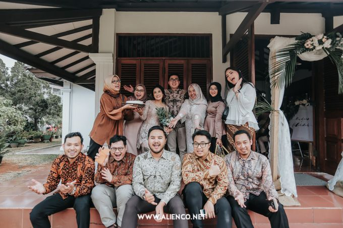 The Engagement of Andari & Fatahillah by alienco photography - 028