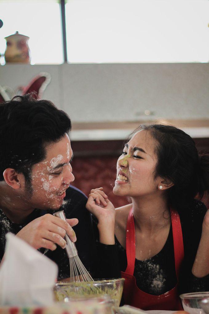 The Pre-Wedding of Anissa & Pradewo by EdgeLight Production - 011