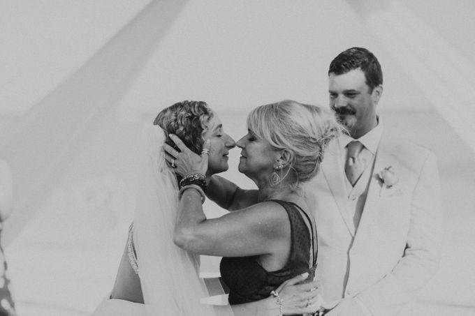 Weddingday Mr & Mrs Battie by Topoto - 025