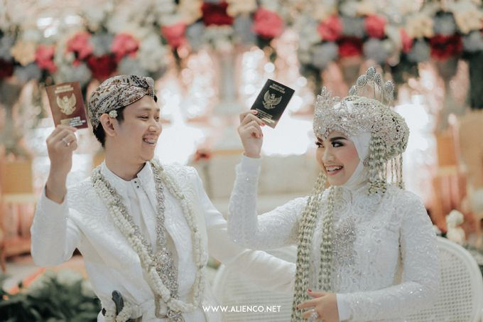 THE WEDDING OF ANGGI & iNDRA by alienco photography - 022