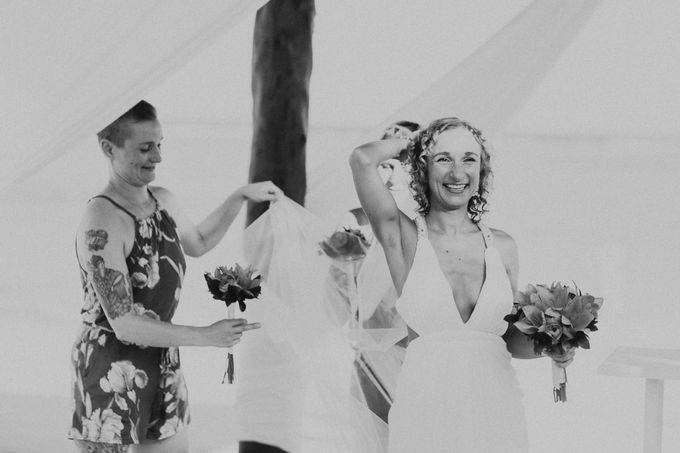 Weddingday Mr & Mrs Battie by Topoto - 027