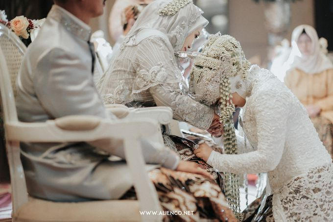 THE WEDDING OF ANGGI & iNDRA by alienco photography - 023
