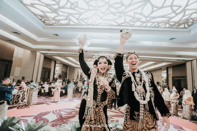 THE WEDDING OF ANGGI & iNDRA by alienco photography - 025