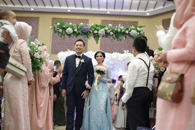 The Wedding of Desty & Hadyan by Desmond Amos Entertainment - 004