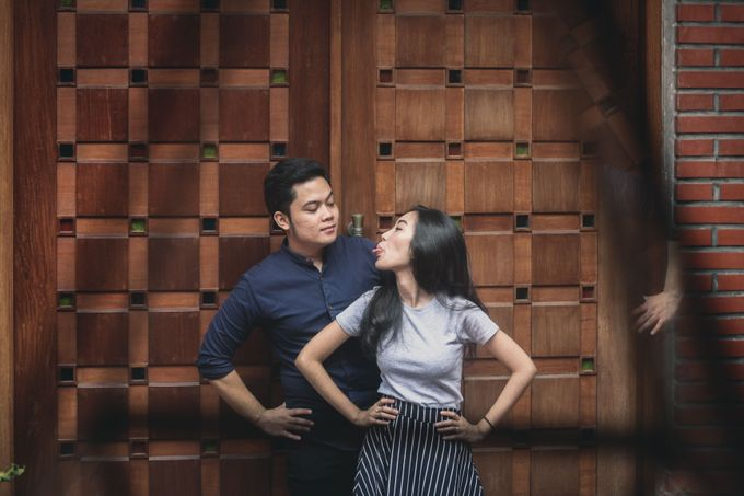 The Pre-Wedding of Anissa & Pradewo by EdgeLight Production - 001