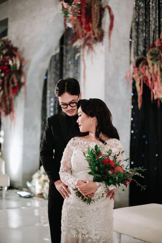 Wedding of Agung & Keyshalla at Trans Convention Center by Valentine Wedding Decoration - 027