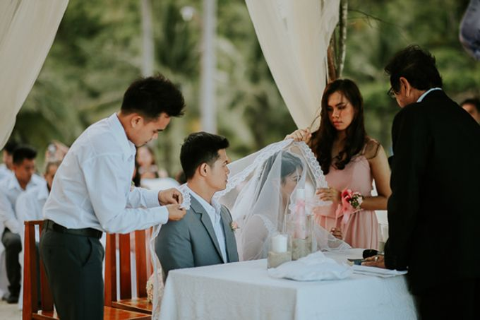 Renz & Jenn Beach Wedding in Romblon by The Fortnight Studios - 033