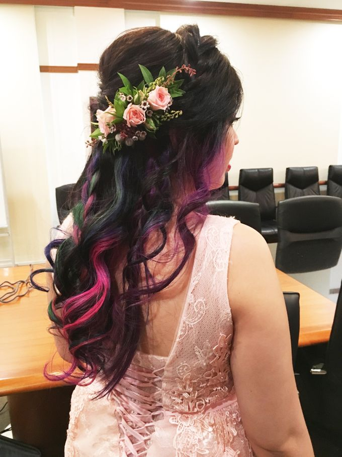 Romantic Floral Rustic Half up Half Down Hairstyles by Sylvia Koh Makeup and Hairstyling - 006