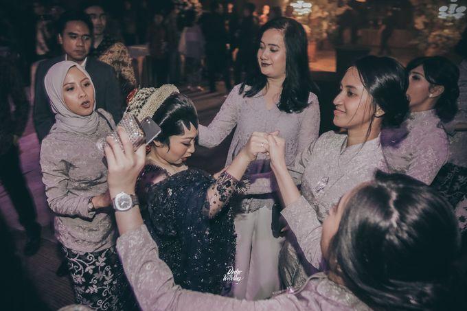 The Ballroom XXI | Vania & Erlangga by diskodiwedding - 003