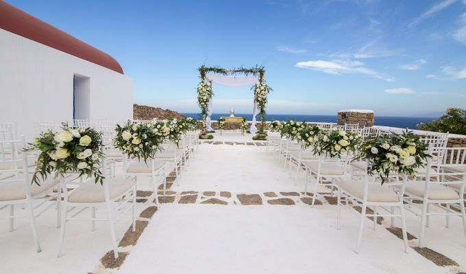 Mykonos wedding in a private villa by Diamond Events - 001