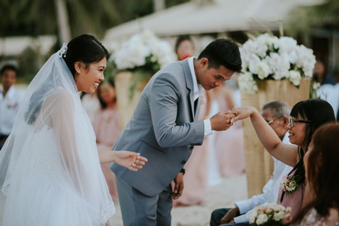 Renz & Jenn Beach Wedding in Romblon by The Fortnight Studios - 041
