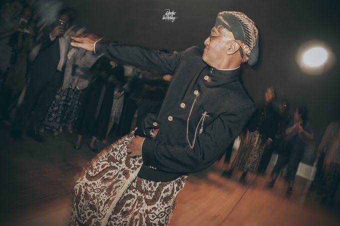 The Ballroom XXI | Vania & Erlangga by diskodiwedding - 001