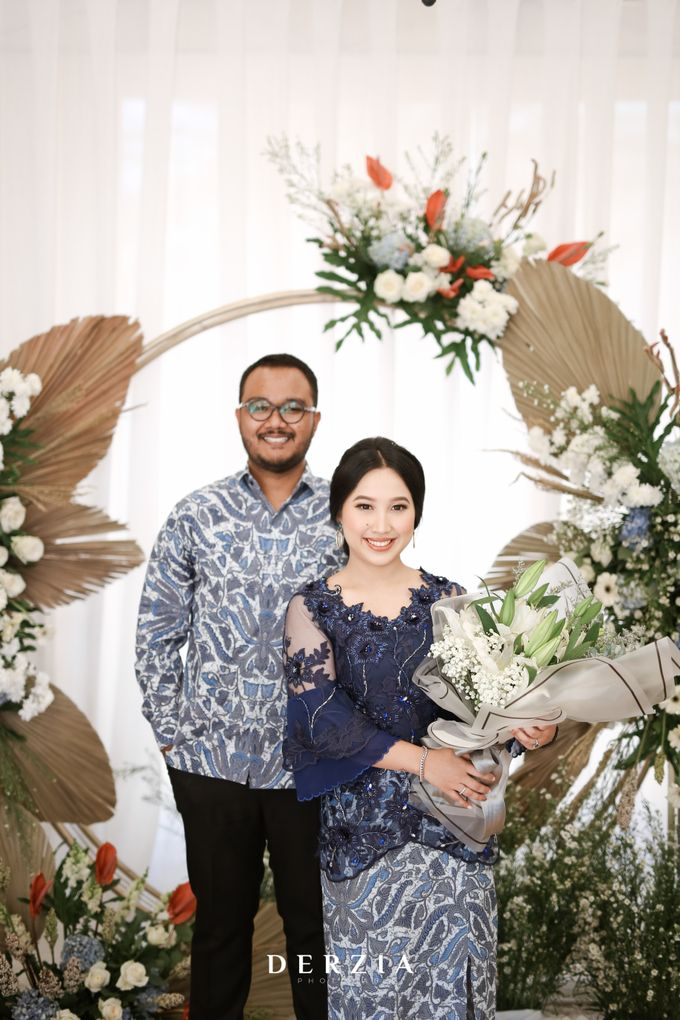 The Engagement of Febby & Rama by DIY Planner - 040