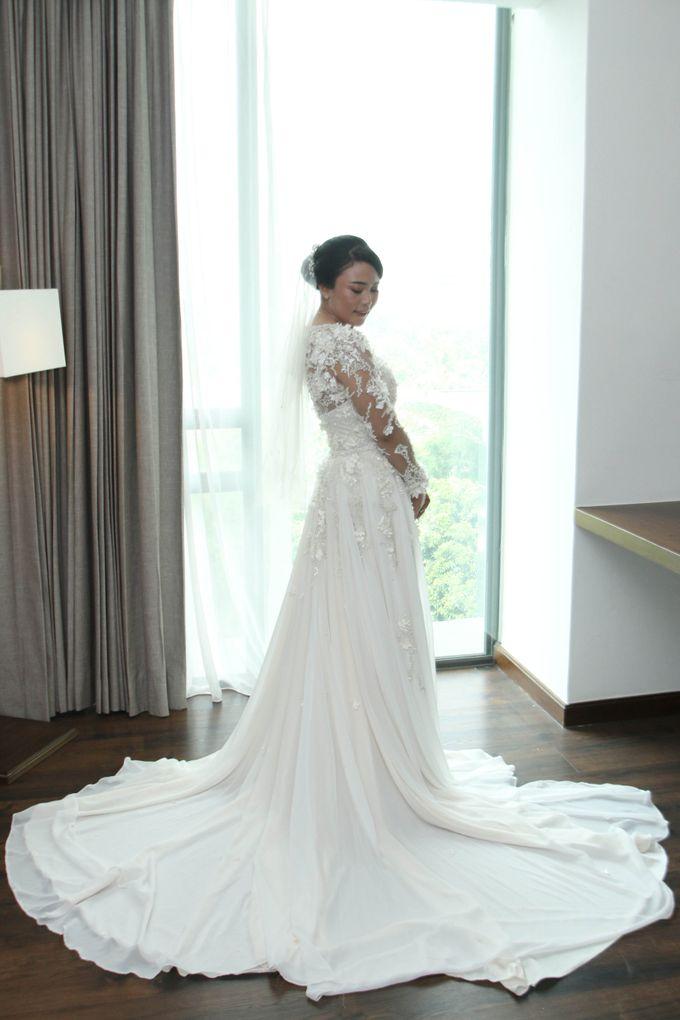 Wedding Gown by Leny Rafael Bride - 001