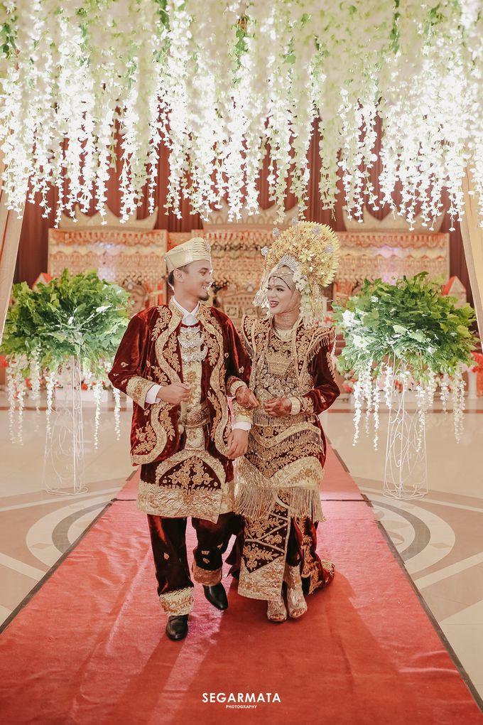 M & F Wedding by Segarmata Photography - 001