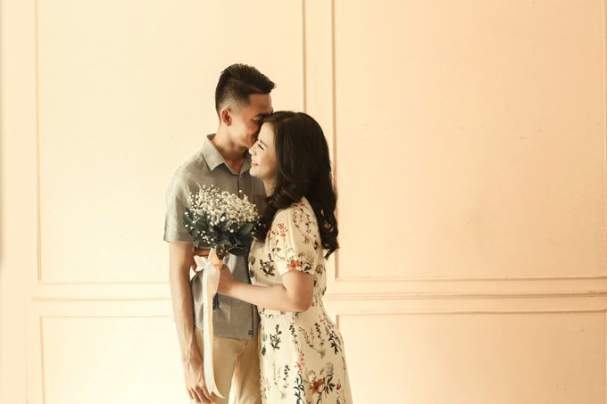 Studio Prewedding - Ana & Ezral by Willie William Photography - 008