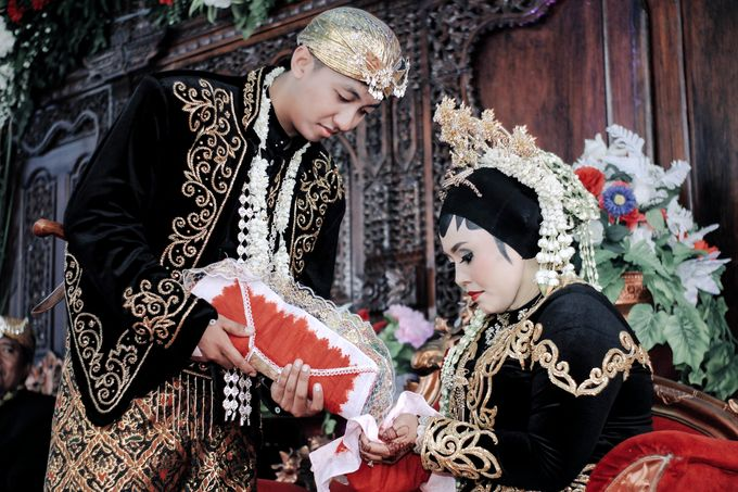 Wedding of Andri & Intan by Toms up photography - 006