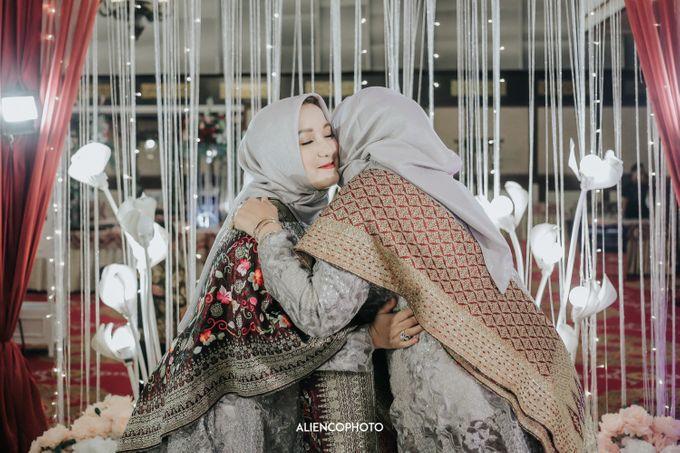 PURI ARDHYA GARINI WEDDING OF NIA & AFFAN by alienco photography - 011