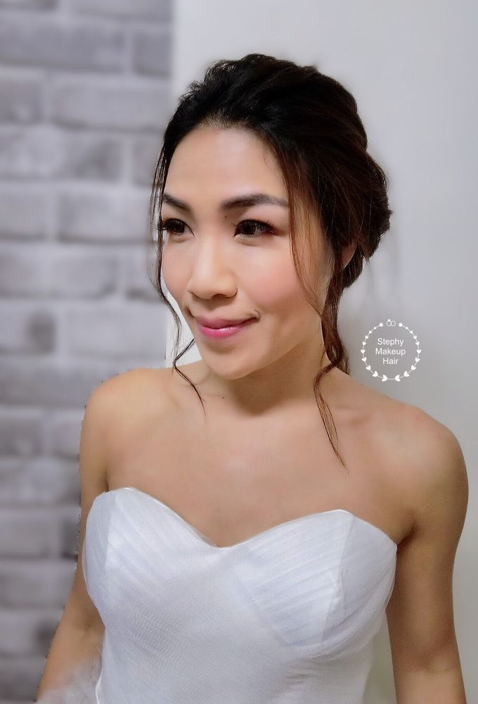 Ausra Bridal Look Photoshoot by Stephy Ng Makeup and Hair - 005