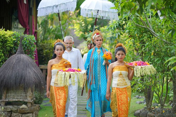 Margarita and Aleksei Wedding Blessing Ceremony by Fivelements Bali Retreat - 009