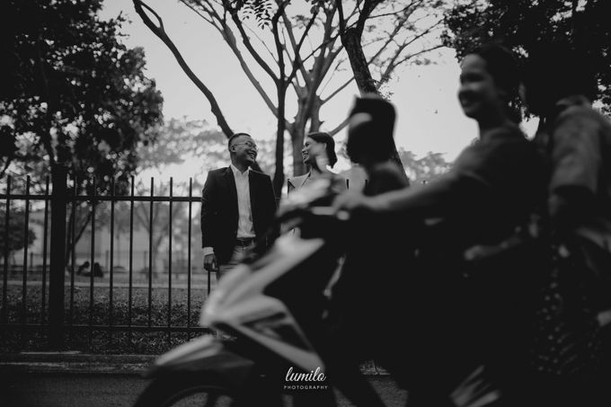 Devi & Shabrina Prewedding at Kebayoran by Lumilo Photography - 009