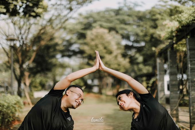 Devi & Shabrina Prewedding at Kebayoran by Lumilo Photography - 025