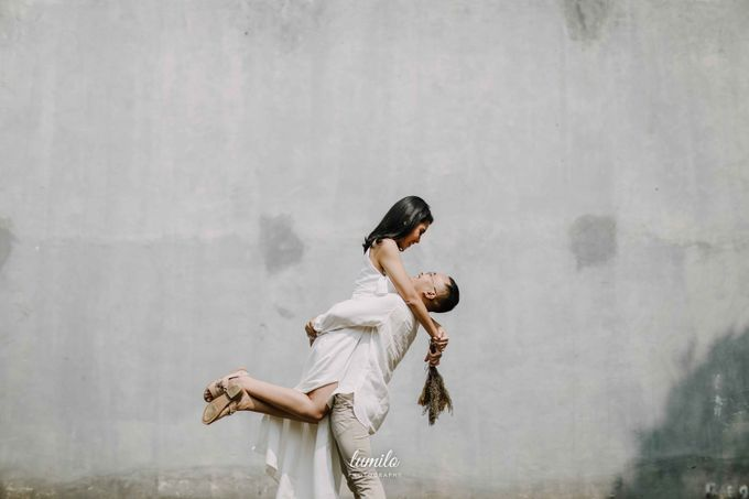 Devi & Shabrina Prewedding at Kebayoran by Lumilo Photography - 032