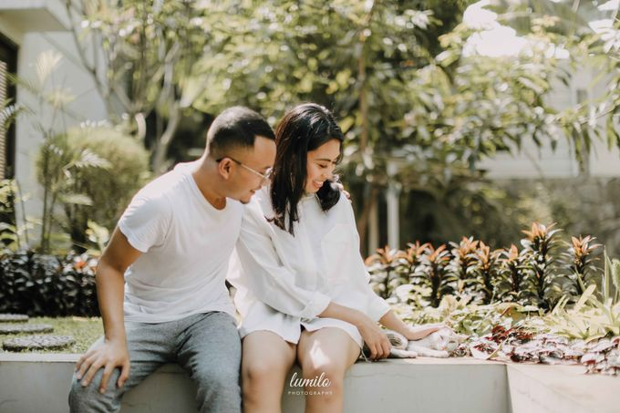 Devi & Shabrina Prewedding at Kebayoran by Lumilo Photography - 036