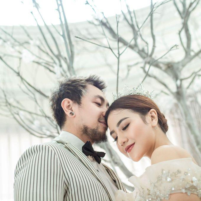 Prewedding of Vicky & Irindacil by Ricky-L Photo & Bridal  - 002