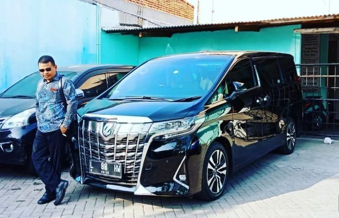 Toyota Alphard Transformer by Hsweddingcar - 005