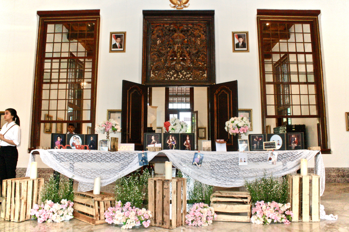Kelly & Vioren At Gedung Arsip by indodecor - 003
