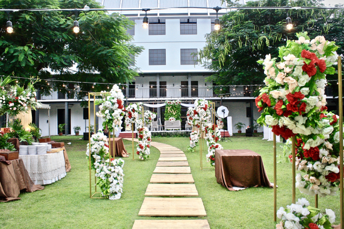 Kelly & Vioren At Gedung Arsip by indodecor - 001