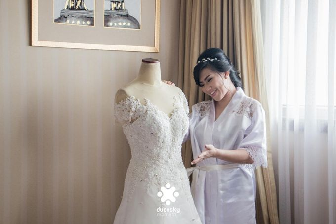 Indra Astrell Wedding | The Morning by Tracy Bridal House - 004
