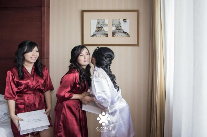 Indra Astrell Wedding | The Morning by Tracy Bridal House - 008