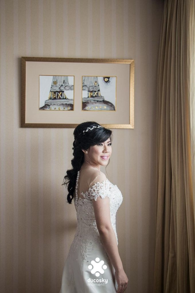 Indra Astrell Wedding | The Morning by Tracy Bridal House - 010