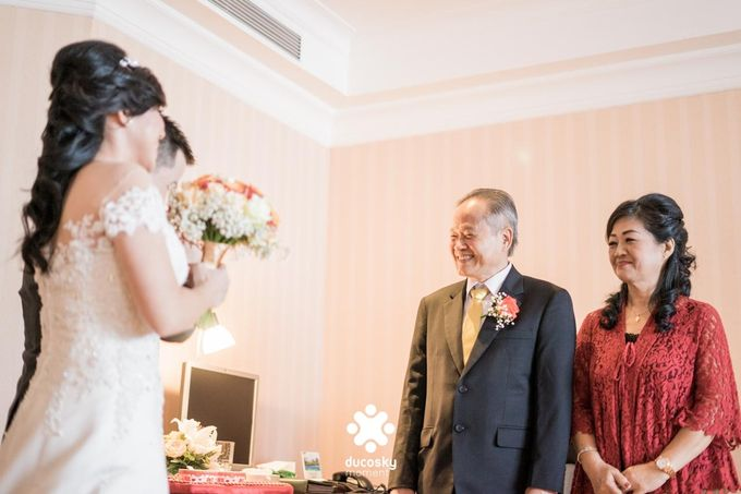 Indra Astrell Wedding | The Morning by Tracy Bridal House - 040