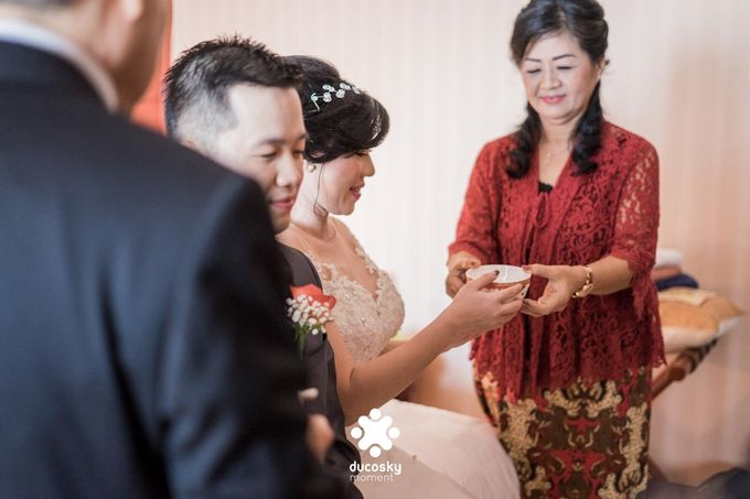 Indra Astrell Wedding | The Morning by Tracy Bridal House - 044