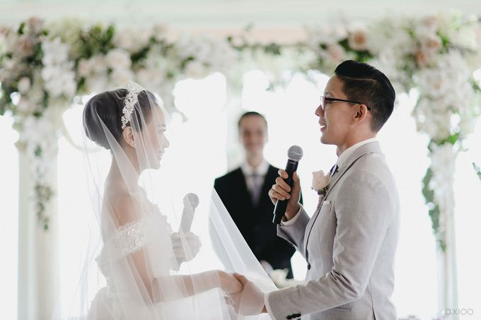 A Purposeful Night -  The Wedding of Indra and Yuanita by Ivan by Axioo - 031