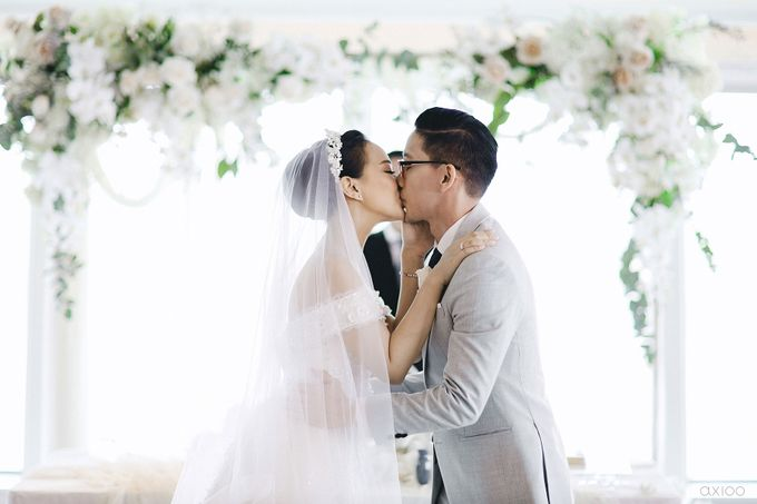 A Purposeful Night -  The Wedding of Indra and Yuanita by Ivan by Axioo - 034