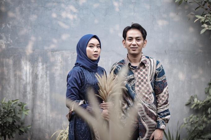 The Engagement of Hendy & Tya by Inikreasiku - 002