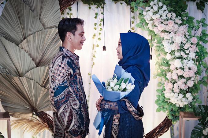 The Engagement of Hendy & Tya by Inikreasiku - 008